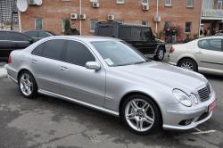 Автомобиль Mersedes E55 AMG ( Мерседес Е55 АМГ )